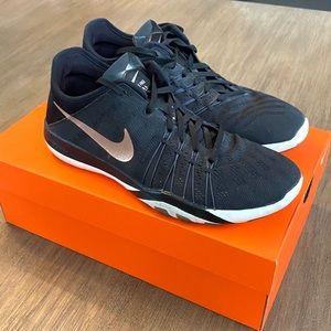 Women's Nike Free TR 6   Black + Rose Gold